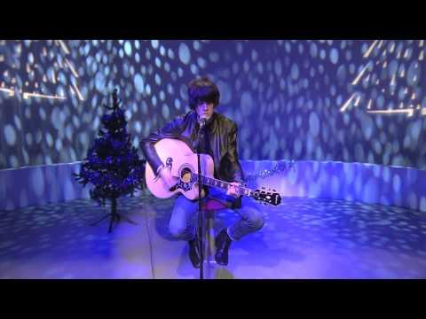 Tom Ogden of Blossoms Live Performance