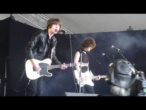 Catfish and the Bottlemen - Sidewinder (live) - Reading Festival 2013, Lock Up Stage, 24 August 2013