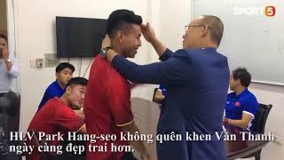 HLV Park Hang-seo mời Văn Thanh, Xuân Trường đi ăn tối