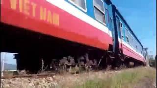 Fastest trains in Viet nam / Những tàu hỏa chạy nhanh nhất Việt nam