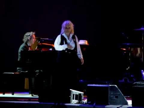 Petula Clark--La Vie En Rose--Live Toronto CNE 2009-08-27