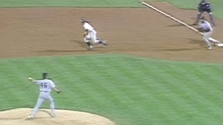 1996 WS Gm5: Pettitte picks off Jones in 5th
