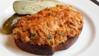 Tuna Melt - Hot Tuna and Cheese Sandwich