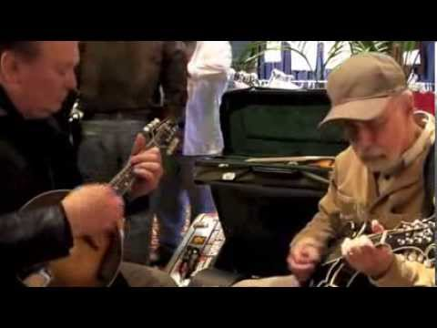 Dick Smith and Roland White Pick on a few Kentucky Mandolins!