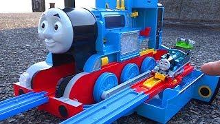 Big Thomas Coal toys & Thomas Plarail Let's Go to Lake Biwa! Chuggington Train toys