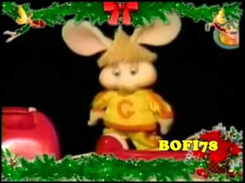 Topo Gigio canta: