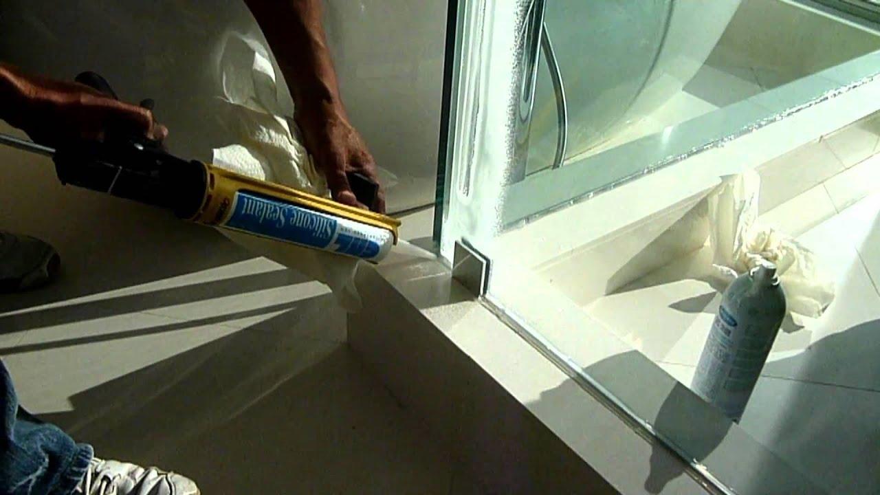 Calking Or Silicone Fully Wet Glazed Frameless Shower