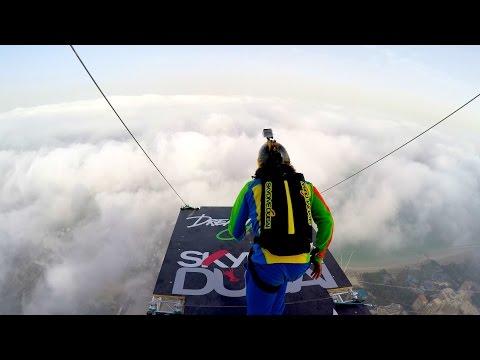 ЛУДО скокање од втората по височина станбена зграда во светот
