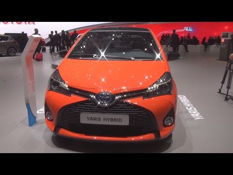 Toyota Yaris Hybrid 1.5 e-CVT (2016) Exterior and Interior in 3D