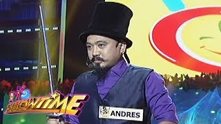 It's Showtime Funny One: Anthony Andres performs Dangerous Card Magic Tricks