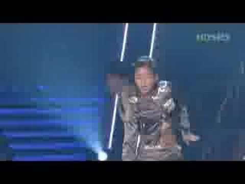 BoA - live perf. of My Name while she was sick