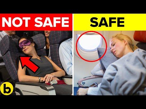 Како да се заштитите од микроби и вируси во авион?