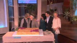 Mama's Birthday Bash Gets Going! (2010-05-20)