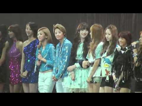 [Fancam] 110823 f(x) - Ending @ Kpop Girls In Love Concert (Hong Kong)