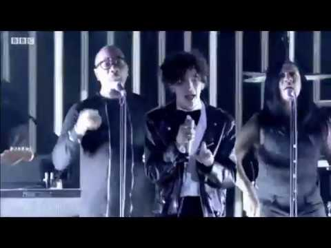 BBC Music Awards 2016   The 1975 Perform The Sound