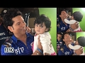 Sachin Tendulkar with his Little fan 'Hinaya Heer'..