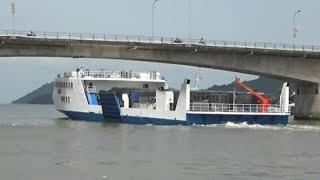 Chiếc tàu phà khủng với sức chở hàng chục xe tải