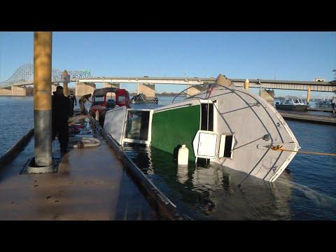 لحظات مأساوية لحادث غرق قارب في كولومبيا