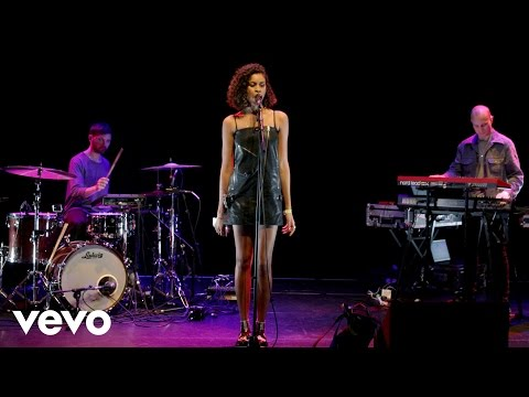 AlunaGeorge - Company (Justin Bieber cover in the Live Lounge)