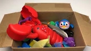 Sharks and More Cool Sea Animals Box of Toys Learn Colors