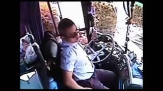 Bị đâm thủng bụng, tài xế vẫn cứu hành khách-Yume TTNV