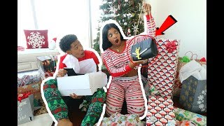 DE'ARRA GOT PRANKED ON CHRISTMAS (OPENING PRESENTS 2017) |  VLOGMAS DAY 25