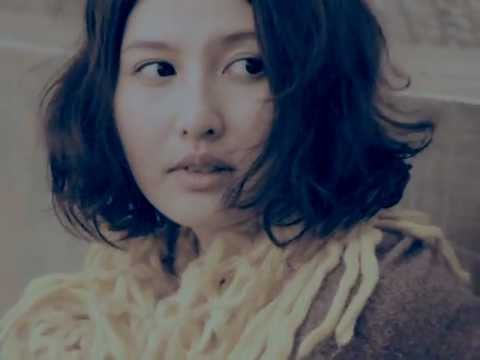 許哲珮《When You Are in Love》MV