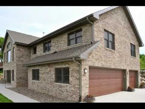 Traditional Brick Home.wmv