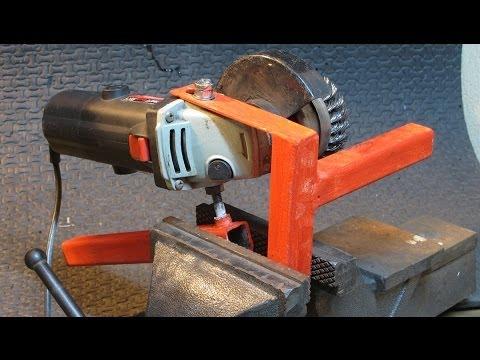 Cómo conectar la amoladora angular para un vicio