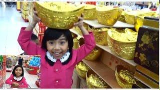 Bé Đi Siêu Thị Big C Mua Bánh Kẹo chuẩn bị đón Tết. Phần 1*_*Baby channel