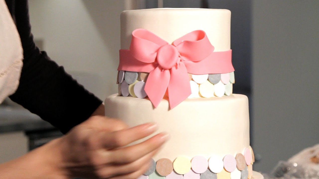 how to make a wedding cake youtube how to make a fondant ribbon amp bow wedding cakes 15913