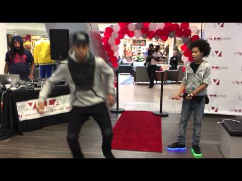 Ayo & Teo | Grand Opening Villa Performance