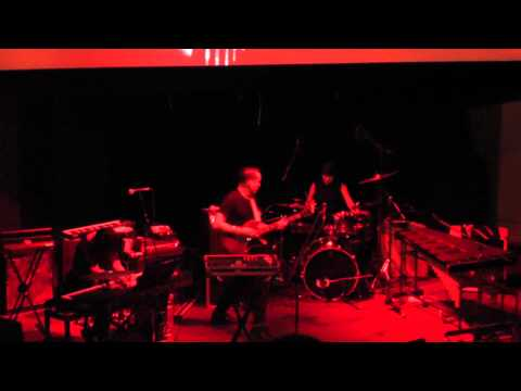 Xiu Xiu plays musiс from 'Twin Peaks'