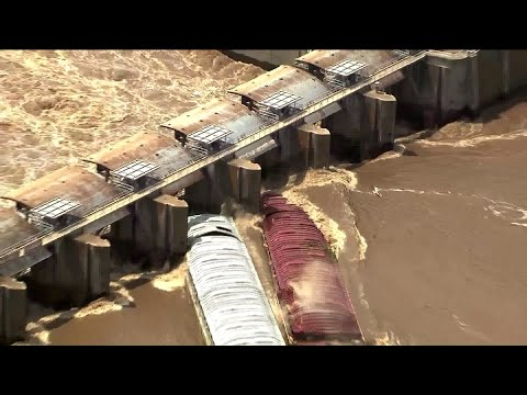 Runaway Barges Sink After Hitting Dam in Oklahoma