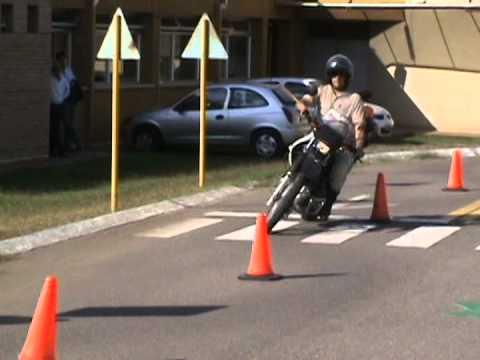 practico carnet de moto categoría  A2 - Córdoba Capital