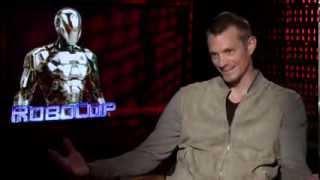 Robocop's Joel Kinnaman Gets Flirty