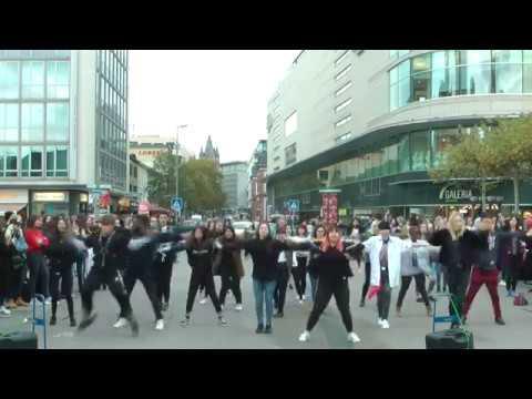 K-Pop Random Dance Game 2018 Frankfurt, Germany (Day 1 - outside)
