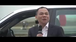 Ông Phạm Nhật Vượng đích thân lái thử chiếc Vinfast LUX đầu tiên