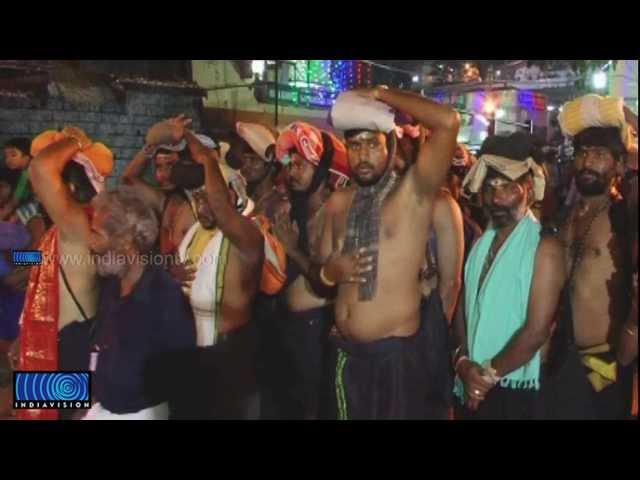 A team of Ayyappas from Andhra on bare foot, reaches Sabarimala