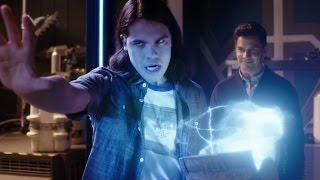 Cisco opens Savitar's Box!!! - S03E09 - THE FLASH SEASON 3 WINTER FINALE