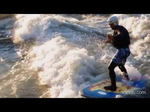 Huge Stand Up Paddle Boarding Wave on Wenatchee River 10,000cfs on Rodeo Hole