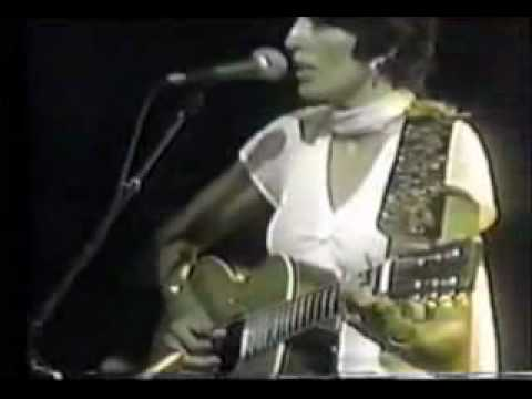 Joan Baez, Diamonds and Rust - Live, 1975 - YouTube