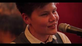 Grace Petrie - Ivy (Live)