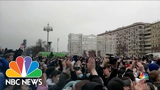 Tens of Thousands Turn Out To Protest Alexei Navalny's Arrest | NBC Nightly News