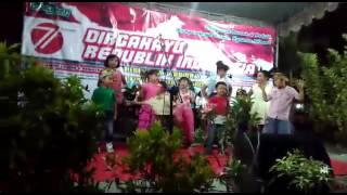 Anak-anak Indonesia Berbakat. Bergaya ala Peragawati