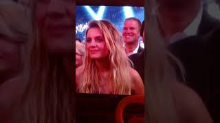 "Carrie Underwood ACMs 2018 ""cry pretty"""