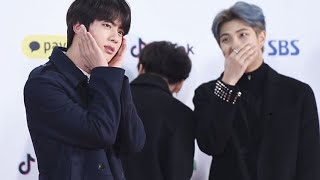 namjin sharing two brain cells together