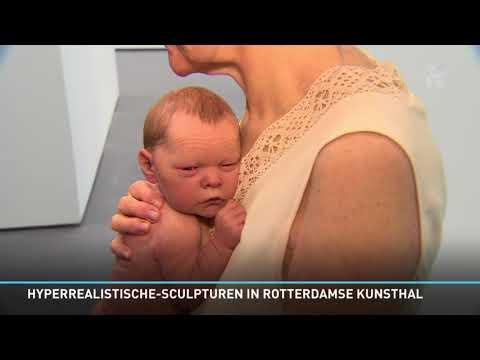 'Hyperrealistische' reuzenbaby in de Kunsthal