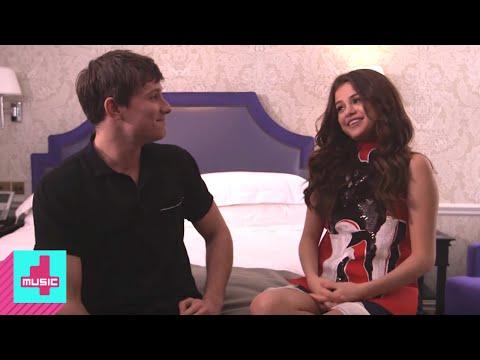 Selena Gomez Interview - Fan Questions & Art   Hangout Pt.4