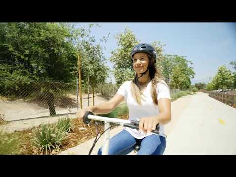 video Razor Ecosmart Metro Electric Scooter
